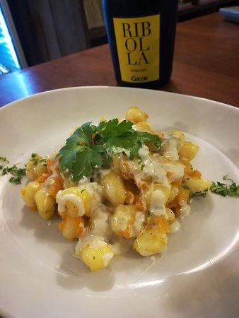 Il Frantoio Del Vicolo Divino: Gnocco di patate con zucca e gorgonzola