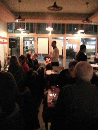 Toreros Tapas Restaurant & Bar: Flamenco