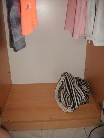 wardrobe shelf broken