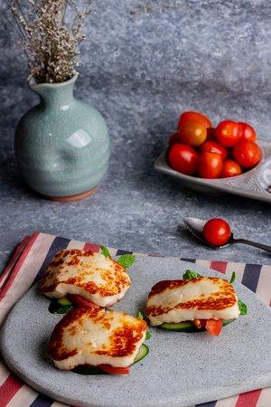 Beirut - Mediterranean Kitchen & Lounge: HALLOMUS CHEESE
