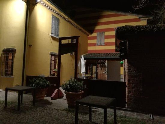 Trattoria San Lorenzo: Locale esterno