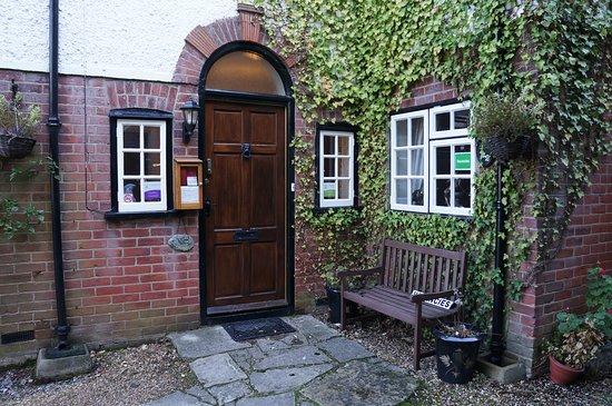 Auplands Guest House: Front door