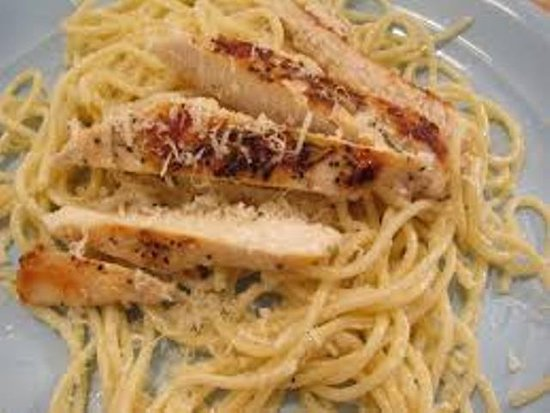 Serrano's Pizza: spag grilled chicken