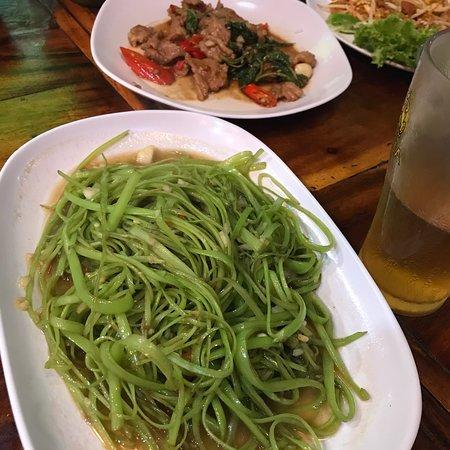 Northeast Restaurant: Very good start in Bangkok!