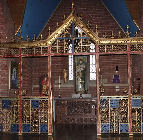 St Saviour's Church: St Peter's Chapel