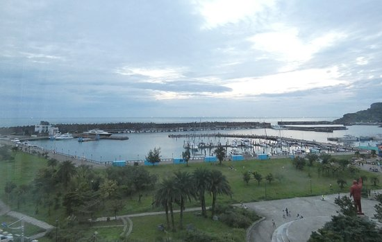 Blue Ocean Hotel: Room 803 view