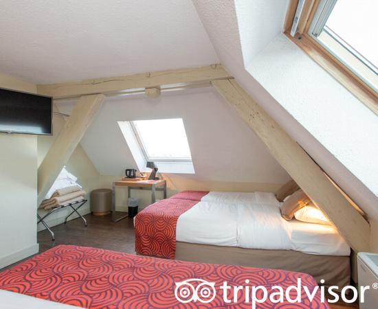 The Cuadruple Room at the Coeur de City Hotel Bordeaux Clemenceau by HappyCulture
