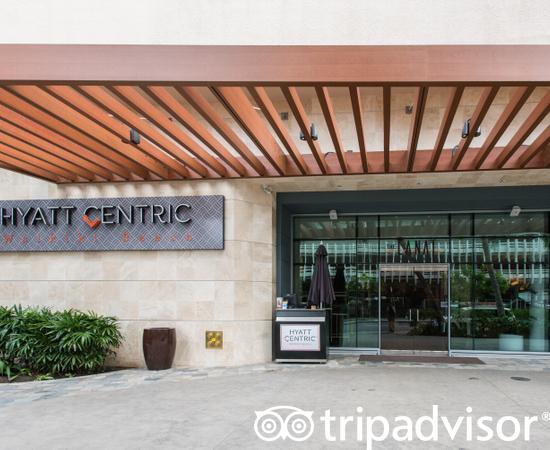 Entrance at the Hyatt Centric Waikiki Beach
