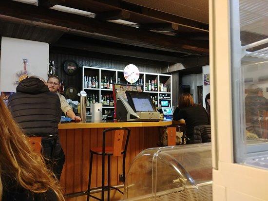 Flora's Cocktails Bar & Restaurant : Cucina regionale: Taiadin
