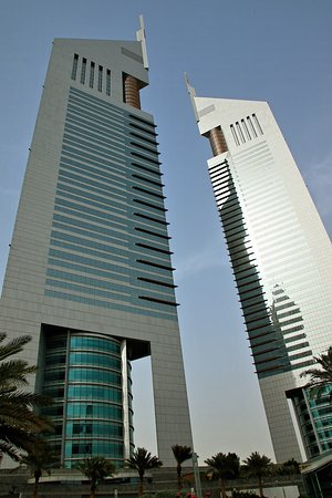 emirates towers дубай