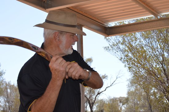 Aboriginal Dreamtime & Bushtucker Tour: Con showing us how to use a boomerang as a weapon.