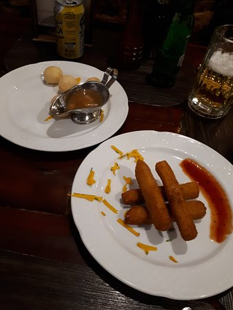 Restaurante San Jose: mozzarella sticks and cheese balls