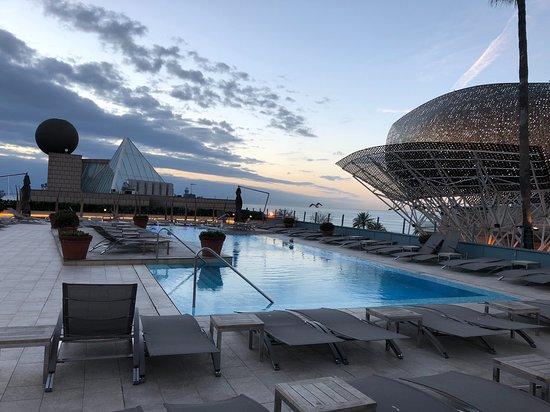 Hotel Arts Barcelona: The pool at the Arts.