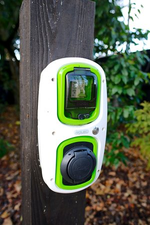 Little Redlands B&B, VisitEngland 5 Star Gold.: Electric Vehicle Charge Points