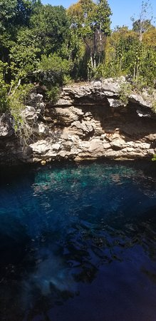 Pink Sands Escape: Eleuthera and Harbour Island: Blue hole