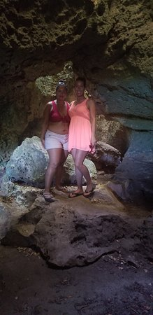 Pink Sands Escape: Eleuthera and Harbour Island: Preachers cave