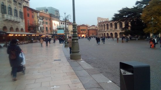 Верона, Италия: Il Liston - Piazza Bra