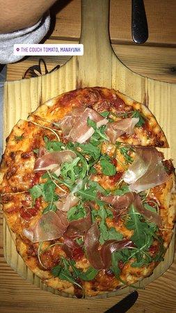 The Couch Tomato Cafe' & Bistro: The best prosciutto pizza!