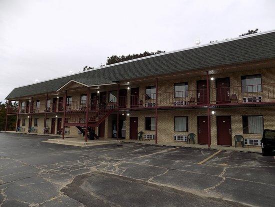 Ouachita Mountain Inn: Hotel rooms.