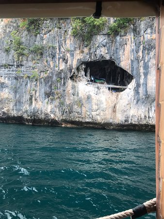Phang Nga Bay Sightseeing tour on a comfortable boat, The must do tour-Khao Lak: Birds nest hunters...they live in a cliff!!