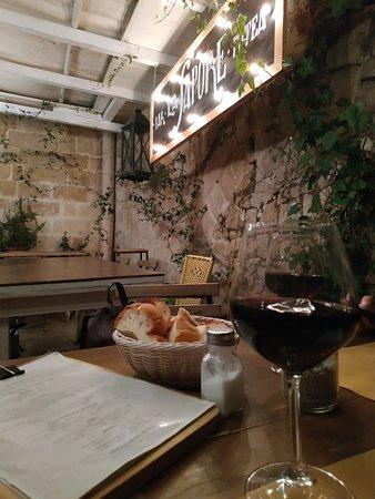 Ottimo vino locale