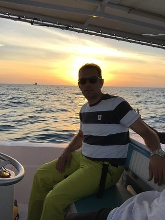 Абу-Даби, ОАЭ: أبو ظبي