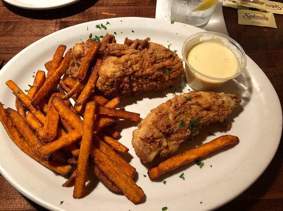 Stone Ridge Tavern: Calabash chicken tenders with honey mustard sauce