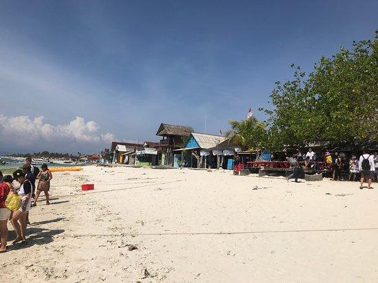 Нуса-Лембонган, Индонезия: What greets you on arrival