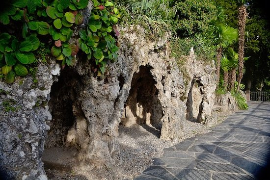 Continental Parkhotel : Cavern or cave like grotto