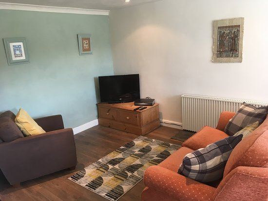 Meifod, UK: Lounge with TV & wifi