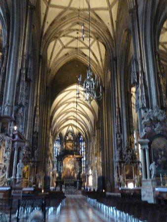 Vue d'ensemble de l'intérieur gothique
