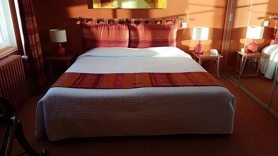 Hotel-Restaurant La Chaine d'Or Photo