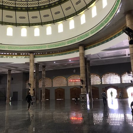 The Great Mosque Al Fatah Ambon(1940), side by side with the old historic iconic architecture mosque of Annur(1860).  Great place for moslem travelers to do prayer, easy to reach from Pasar Mardika or Lapangan Merdeka (Gov Office)