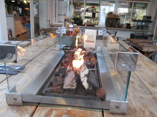 Restaurant Meatclub Mallorca: Fire on Table
