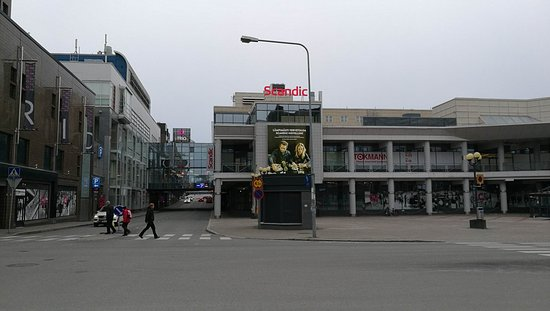 Trio shopping mall and Hotel