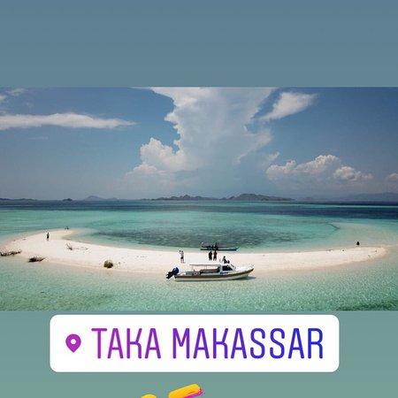 Taka Makassar Island: Snorkling and sun bathing in here guys
