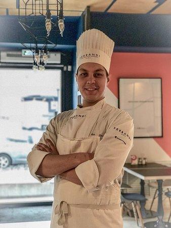 Шеф повар Арман Торегожин.