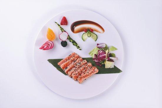 SAKURA Japanese Restaurant: Sake Tataki
