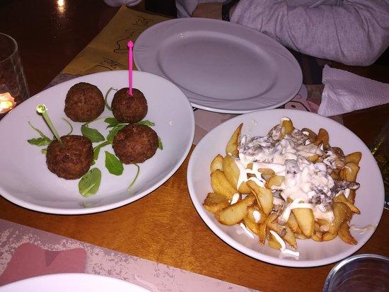 Bufalo Birr: Polpette fritte e chips con bufalo e salsa ai quattro formaggi