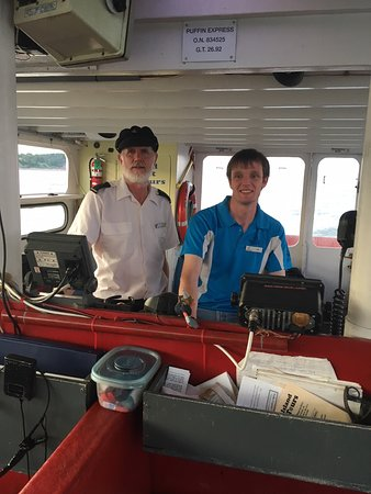 Big Bras d'Or, Kanada: Captains Vince and Ian Van Schaick at the helm of the Puffin Express