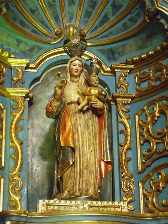 ليما, بيرو: Nuestra Señora de la Evangelización, escultura de madera .