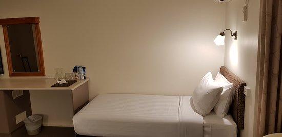 Best Western Olde Maritime Motor Inn: Premium twin room 13.
