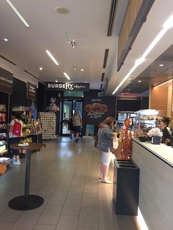 Coffee shop in La Spezia central train station