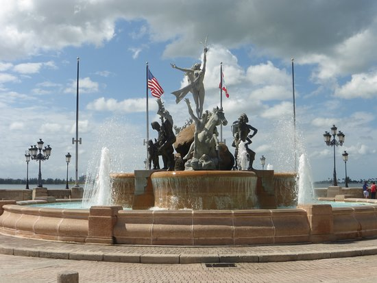 Крепость и историческая часть города Сан-Хуан: Incredible fountains