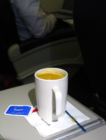 United Airlines: UA5670 SFO to PHX FC EMB-175 Seat 2D - Instant Decaf