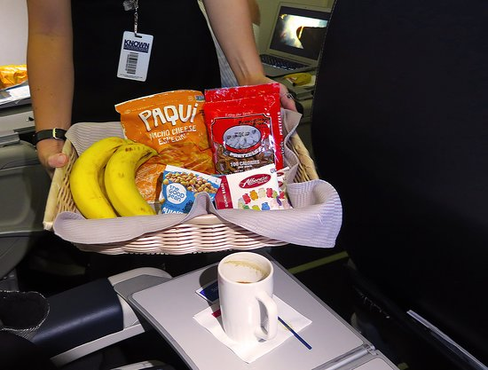 United Airlines: UA5670 SFO to PHX FC EMB-175 Seat 2D - Passed Snack Basket
