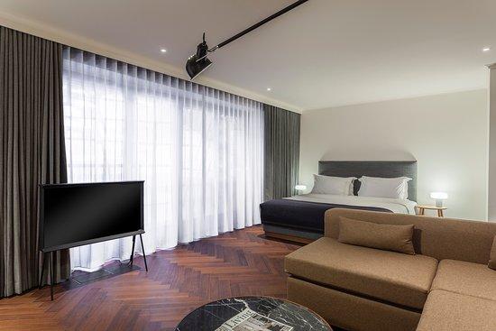 The Roseate Reading: The House Premium Suite