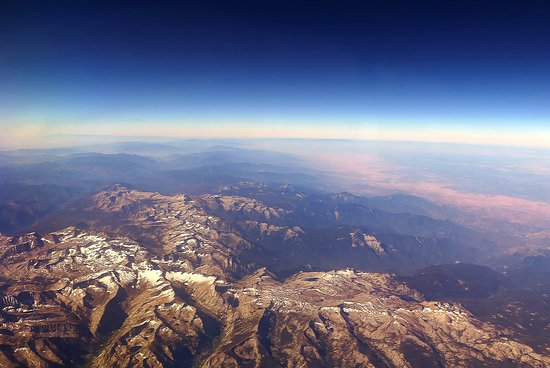 United Airlines: UA5670 SFO to PHX FC EMB-175 Seat 2D - Flying Over California Mountains With Recent Snow