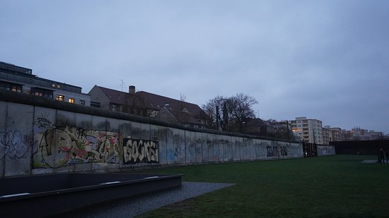 3-Hour East Berlin Walking Tour: Lo que queda del muro.