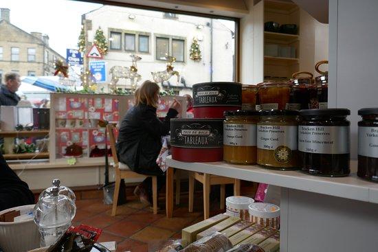 Emi's Delicatessen & Cafe: Jams and chutneys